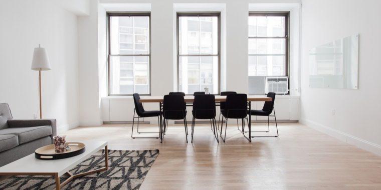 Jak umeblować nowoczesny pokój dzienny?